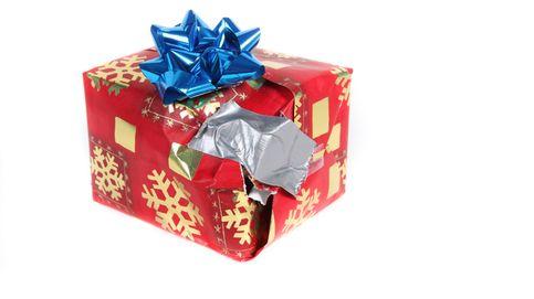 Por qué los regalos de Navidad gustan más a la gente cuando están mal envueltos