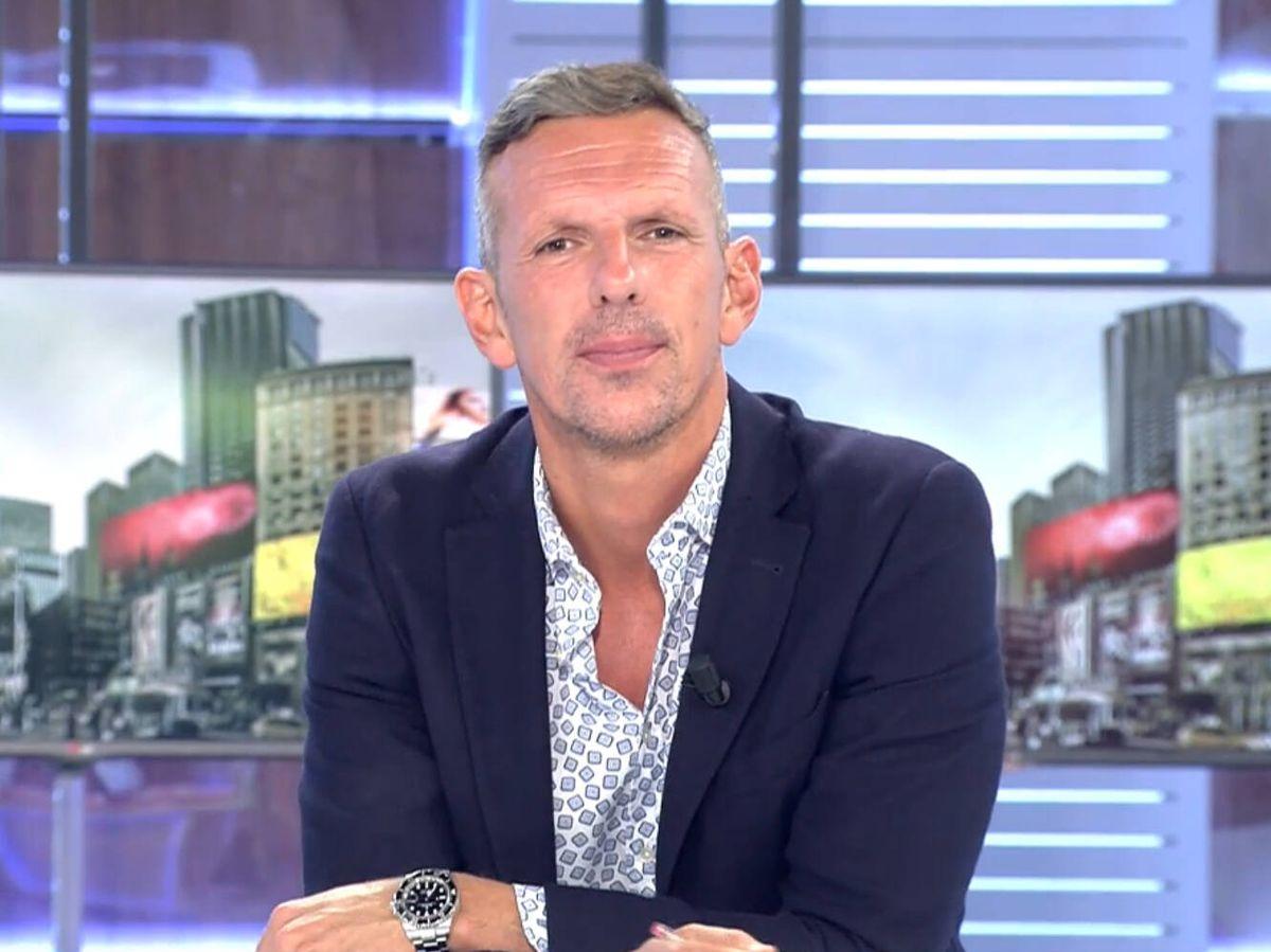 Foto: Joaquín Prat, presentador de 'Cuatro al día'. (Mediaset)