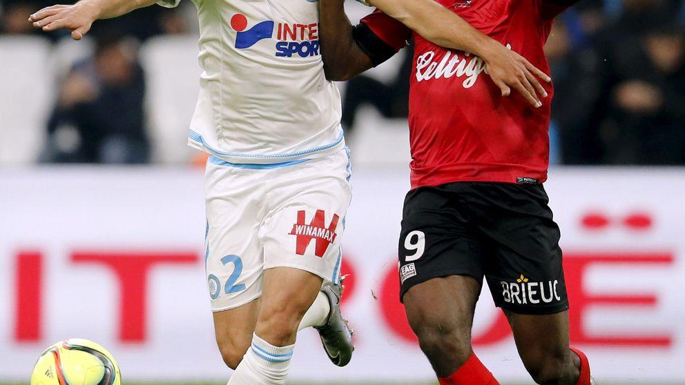 Detienen al futbolista francés Yannis Salibur por presunta agresión a unos turistas