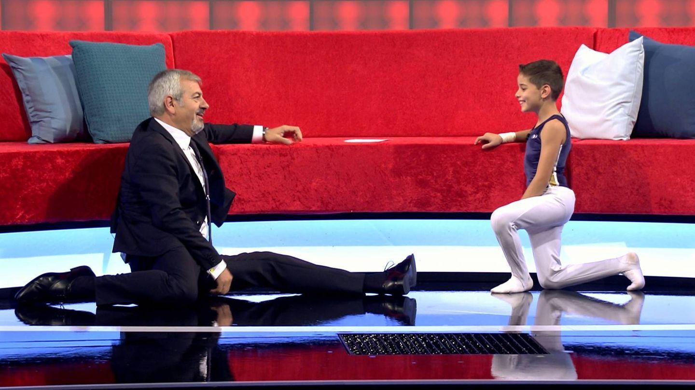'Spagat' de Carlos Sobera en Carlos Sobera en 'Big Little Show'. (Mediaset)