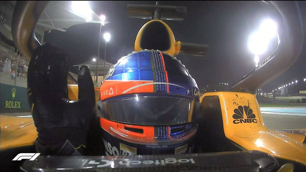 Foto: Fernando Alonso en la vuelta de honor tras el GP de Abu Dabi. (@F1)
