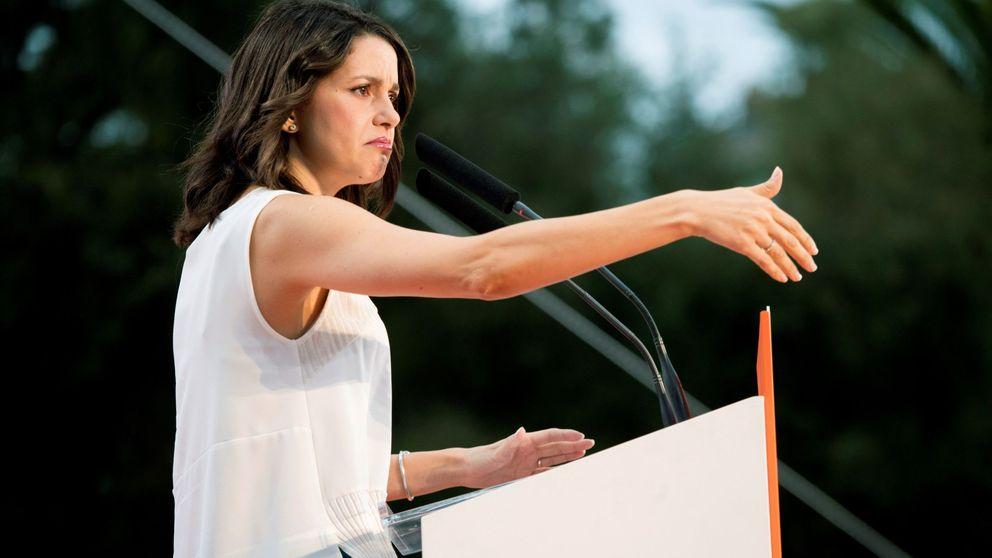 Ciudadanos afea al Govern que promueva retirar símbolos franquistas y no los lazos