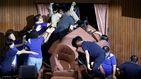 Diputados opositores toman el Parlamento de Taiwán por la tiranía del Gobierno