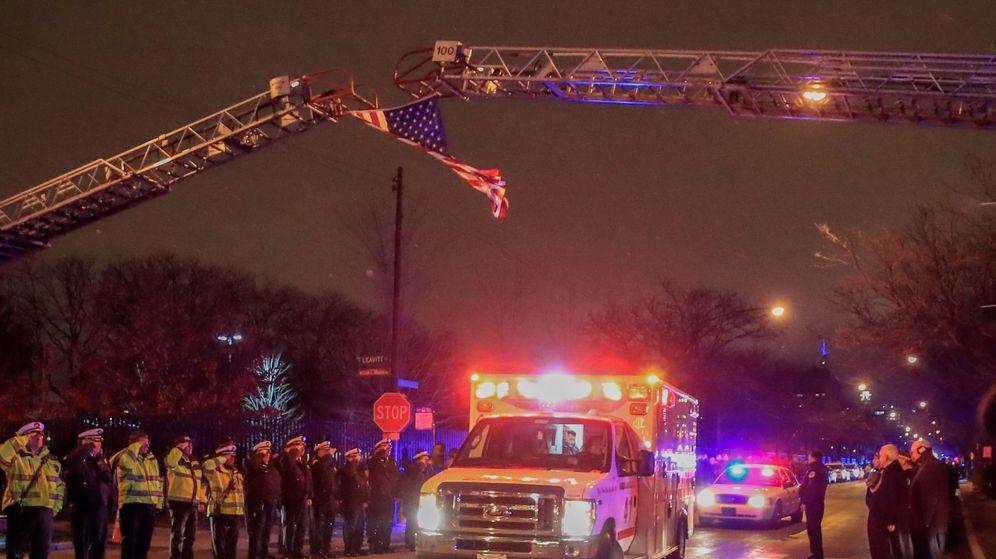 Foto: Una ambulancia del departamento de bomberos de Chicago. (EFE)