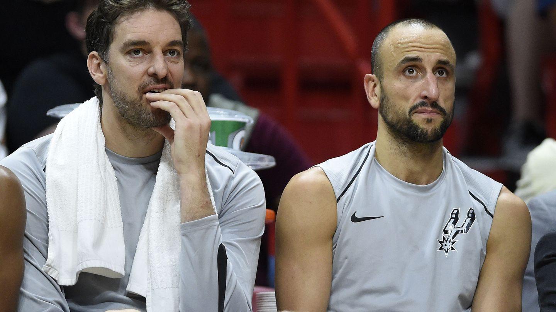 Ginóbili no es el único veterano ilustre de los Spurs. Gasol, tres años más joven, lleva 18 temporadas en la liga. (EFE)