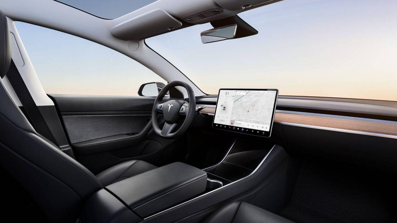 Así es el interior del Tesla Model 3.