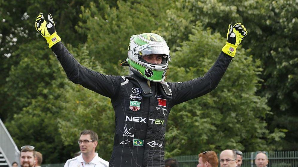 Foto: Nelson Piquet Jr, celebrando su título tras bajarse del coche (Foto página web oficial de Fórmula E)