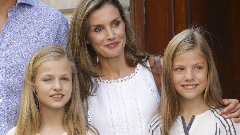 Letizia con sus hijas. (Gtres)