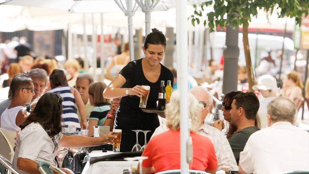Los salarios en la hostelería se hunden y ya solo suponen el 60% del sueldo medio