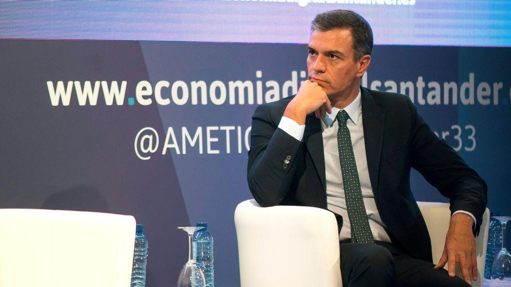 Foto: El presidente del Gobierno en funciones, Pedro Sánchez, en la clausura del 33º Encuentro de la Economía Digital y las Telecomunicaciones. (EFE)