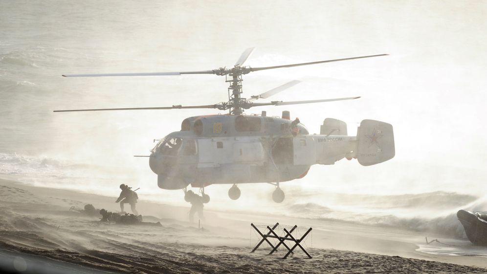 Foto: Un helicóptero ruso durante los ejercicios Zapad 2013, en la región báltica de Khmelevka, en Kaliningrado. (Reuters)