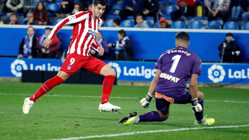 Foto: Morata disparando para hacer el primero del partido. (EFE)