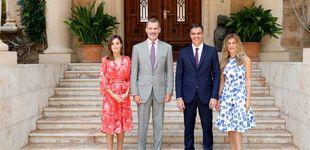 Post de Letizia y Begoña Gómez: duelo de estilo (floral) en el palacio de Marivent