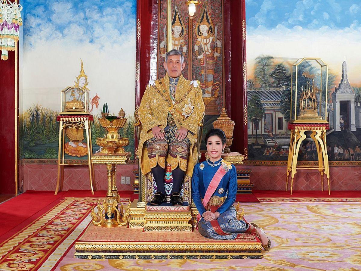Foto: El rey y su concubina oficial. (Reuters)
