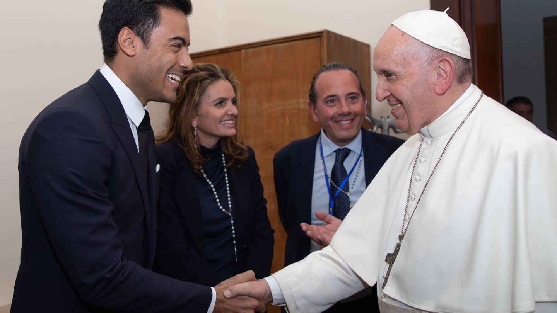 El Papa con Carlos Rivera.