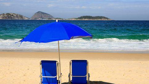 Sillas y tumbonas de playa para disfrutar relajadamente bajo el sol