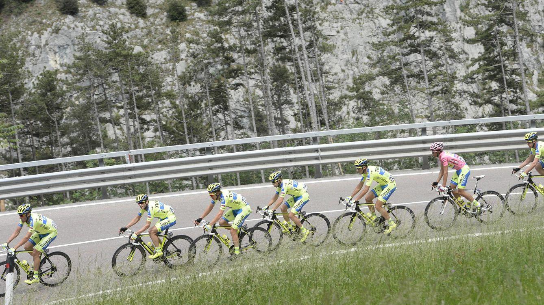 Foto: El Tinkoff-Saxo no ha acompañado a Contador en la alta montaña (Imago).