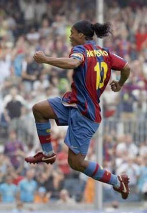 "Rijkaard pide sacrificio a Ronaldinho, aunque lo ve ""recuperable"""