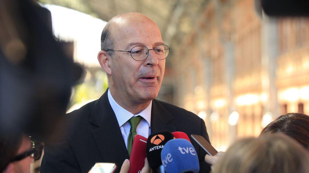 Foto: Renfe, presidida por Pablo Vázquez, tendrá que pasar por el aro de la CNMV. (EFE)