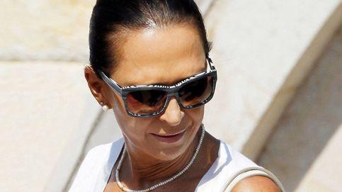 Marta Gayá, íntima de don Juan Carlos, más visible que nunca en su nuevo yate
