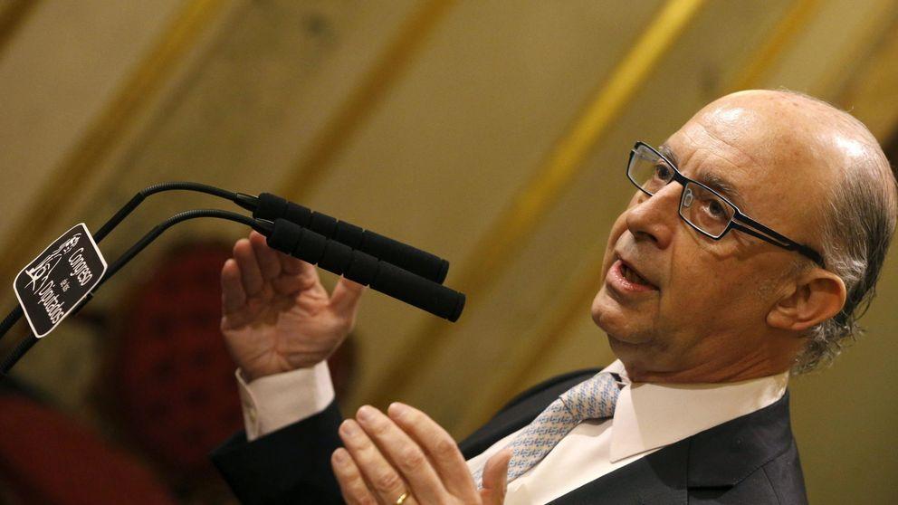 La oposición acusa a Montoro de trilero: No son los Presupuestos más sociales