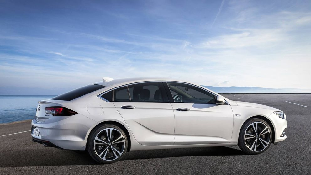 Más largo y más ancho, pero también más ligero: así es el nuevo Opel Insignia