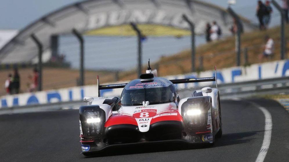 Foto: El Toyota número 8 de Alonso, Nakajima y Buemi dominó de principio a fin los entrenamientos en el circuito de La Sarthe (Twitter: @Toyota_Hybrid)