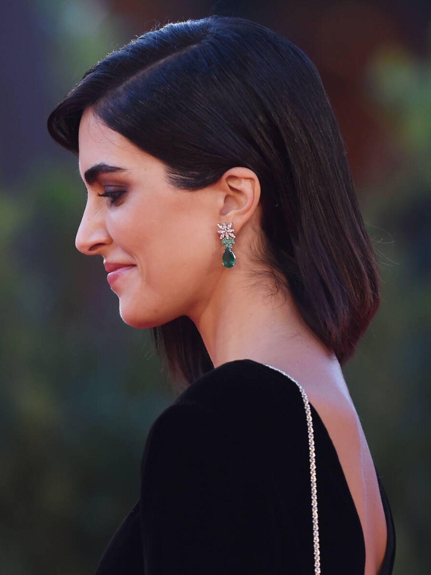 Detalle de las puntas con capas de Rocío Muñoz. (Getty)
