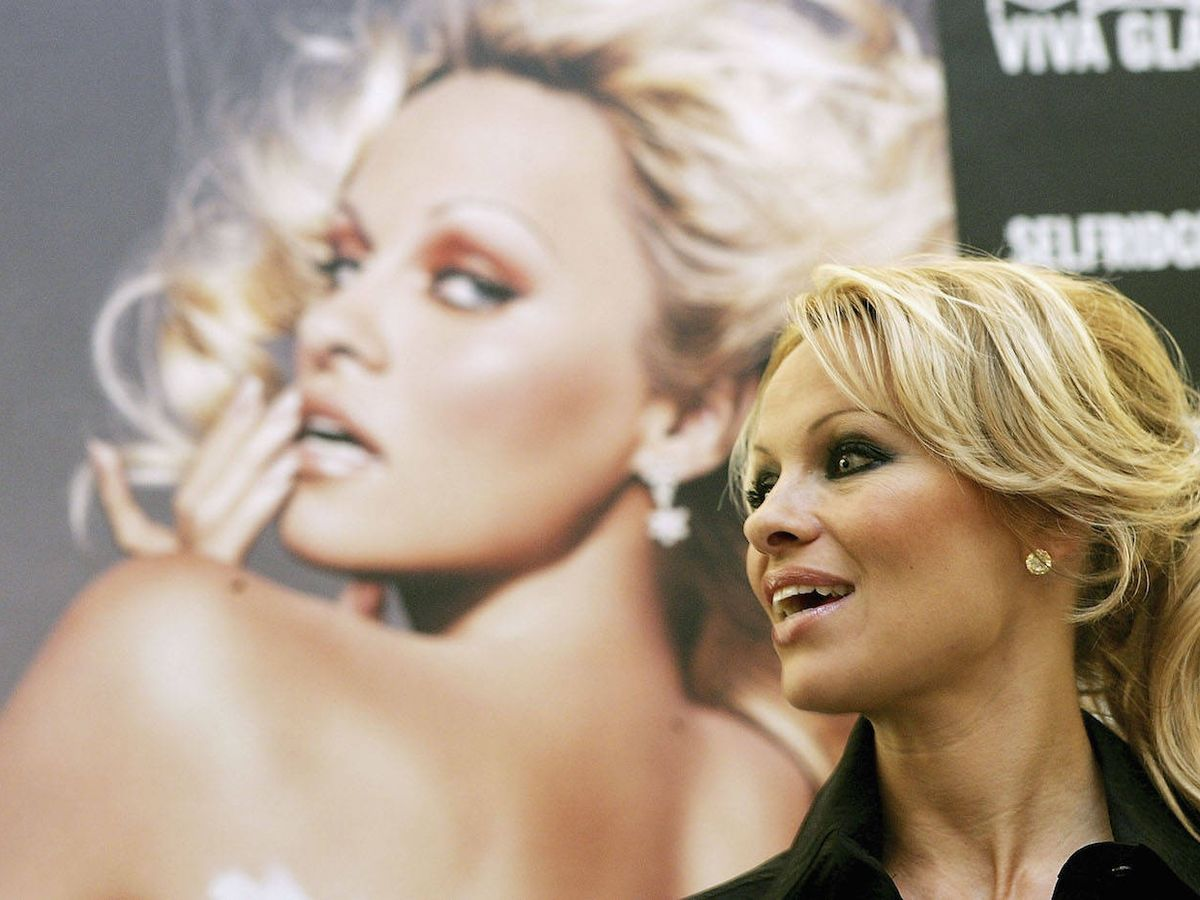 Foto: Pamela Anderson, en un evento de MAC. (Getty)