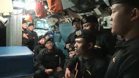 Vídeo | Los marineros del submarino hundido en Indonesia se despiden cantando