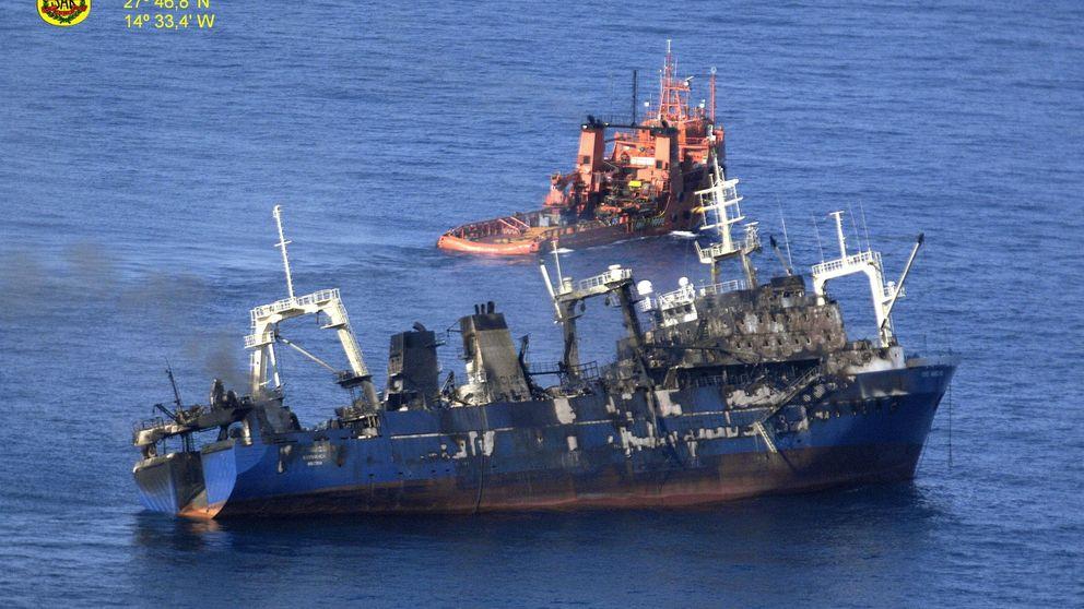 Un pesquero que sufrió un incendio a bordo se hunde 15 millas al sur de Gran Canaria