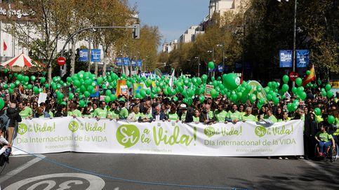 El PP marcha junto a Vox contra el aborto y critica la ausencia de PSOE y Podemos