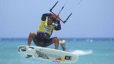 Las impresionantes olas que 'caza' el nuevo campeón del mundo de Kitesurf