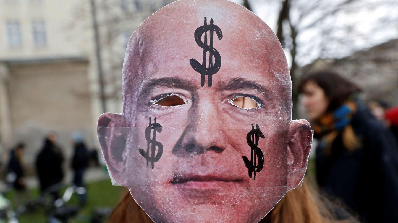 Protesta contra la apertura de un nuevo centro de Amazon en Berlín. (Reuters)