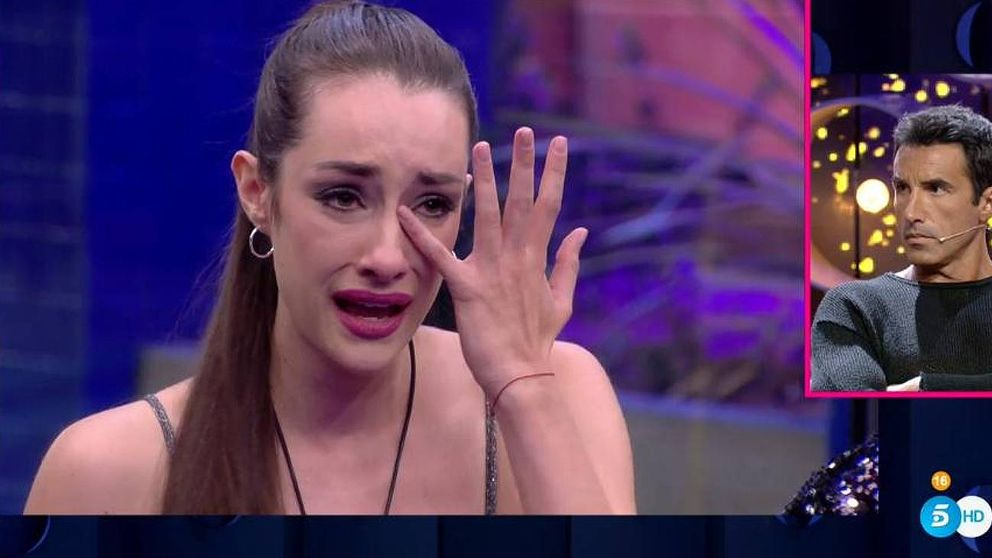 'GH VIP 7'   Adara rompe a llorar tras ser acorralada por toda la casa