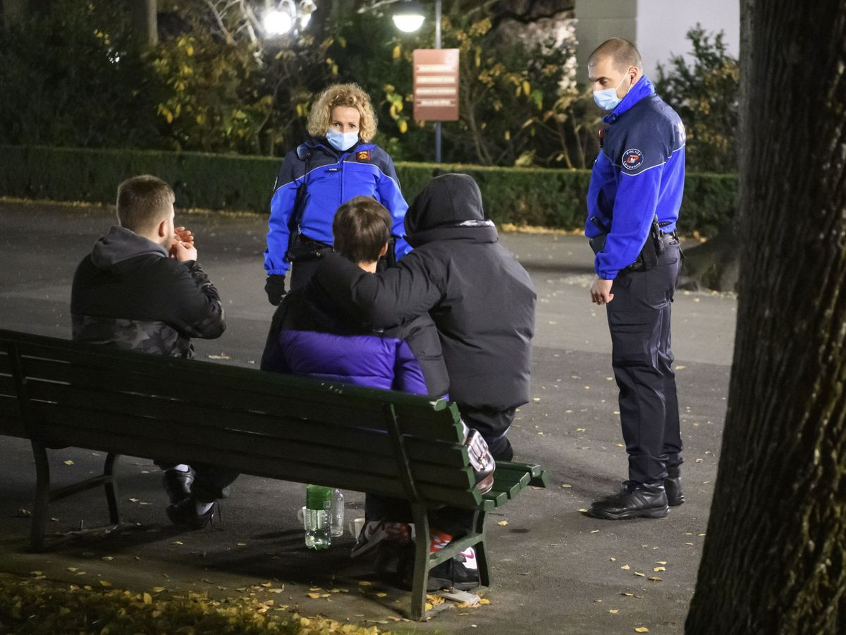 Foto: Policías en Lausanne. (Reuters)