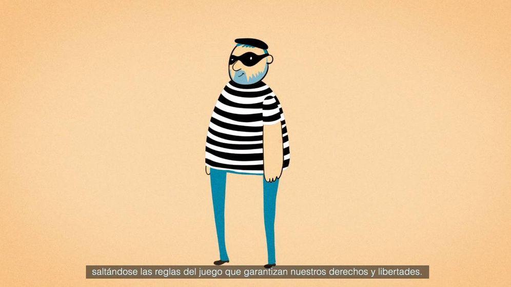 Foto: Un fotograma del vídeo, en el que Junqueras aparece vestido como un ladrón. (Foro Europa Ciudadana)