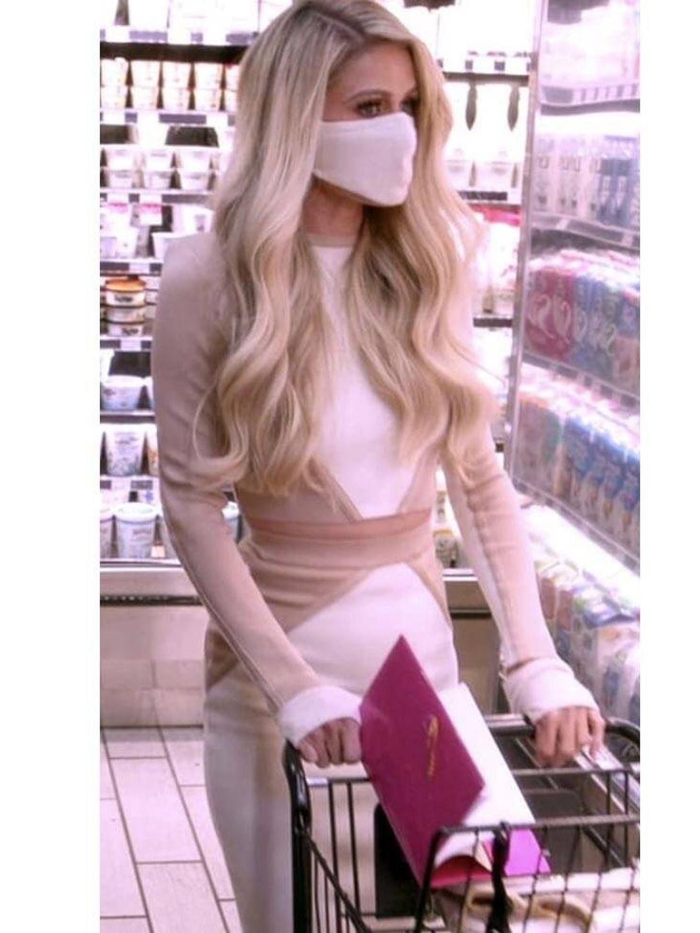 Paris Hilton en el supermercado. (Imagen: Netflix)