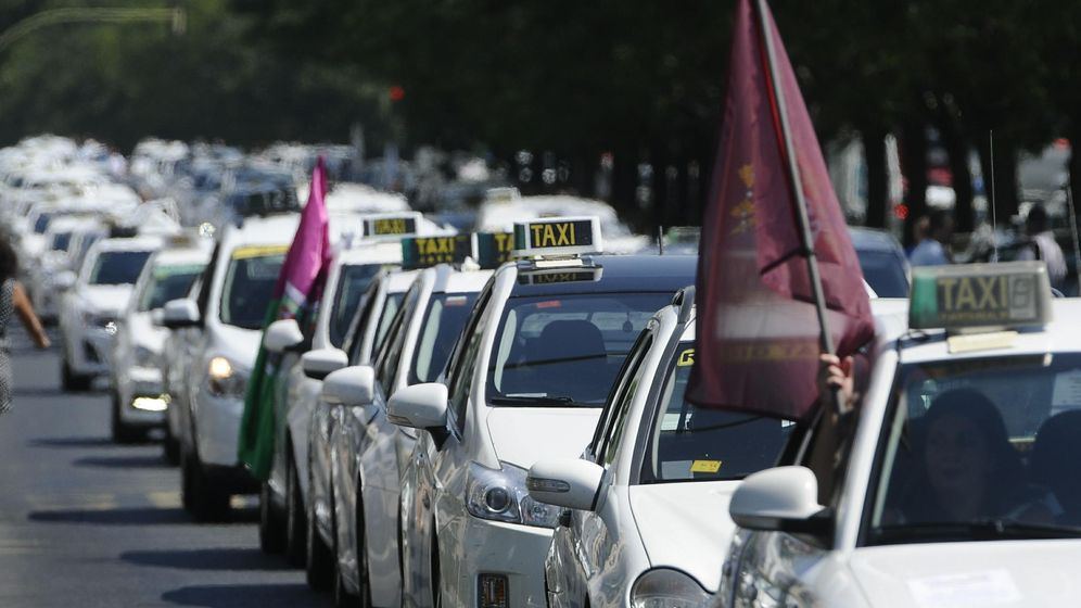 Foto: Taxistas andaluces. (EFE)