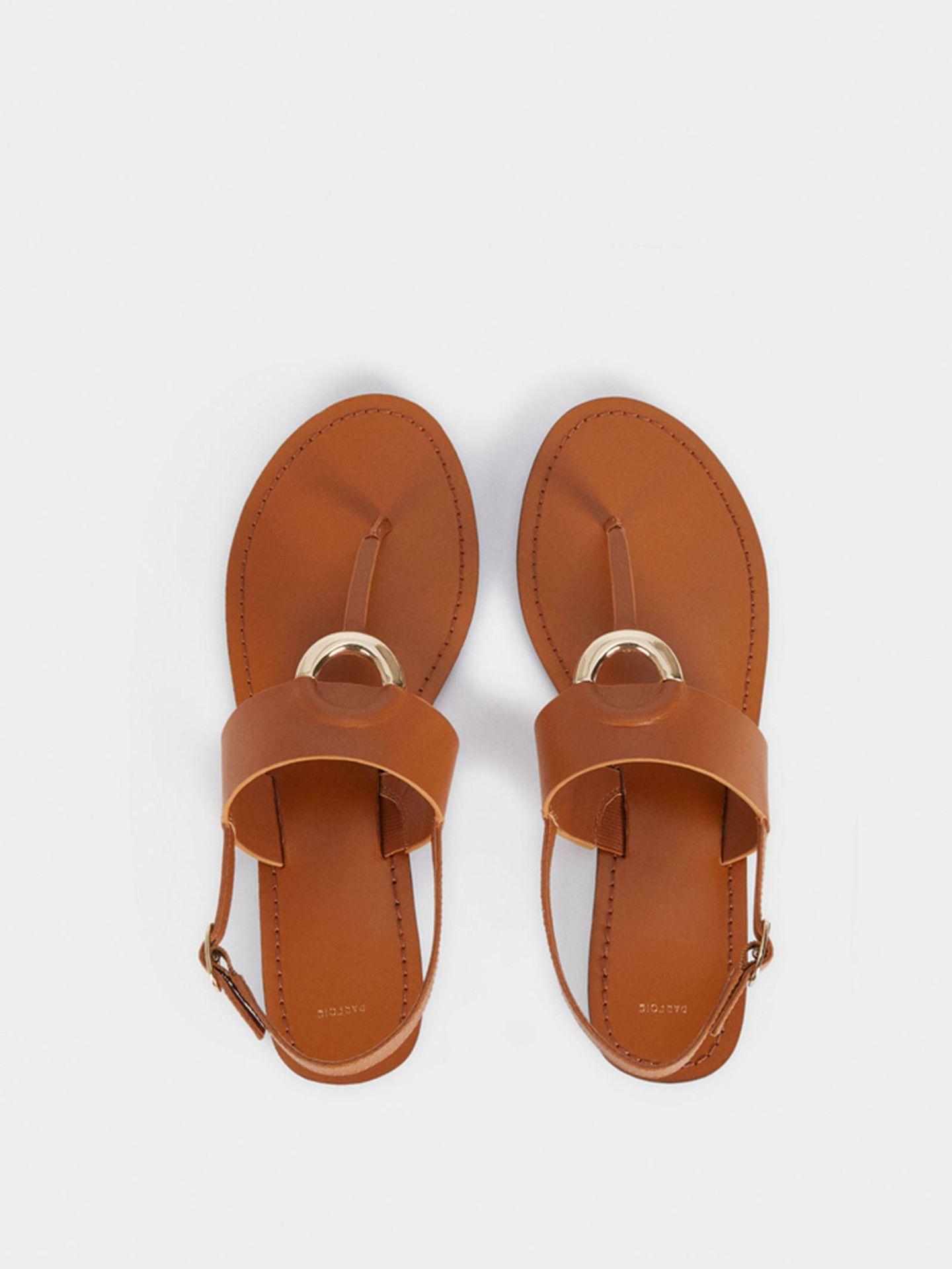 Sandalias planas de Parfois. (Cortesía)
