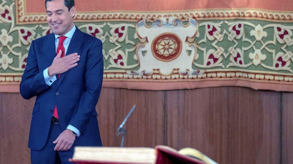 Foto: Moreno, ayer, tras jurar su cargo como presidente de la Junta de Andalucía (EFE).