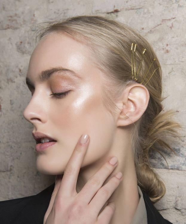 Foto: Bases de maquillaje, esmaltes, hidratantes... Llena tu neceser. (Imaxtree)