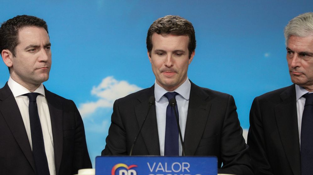 Foto: Casado, junto a García Egea y Suárez Illana. (Cordon Press)