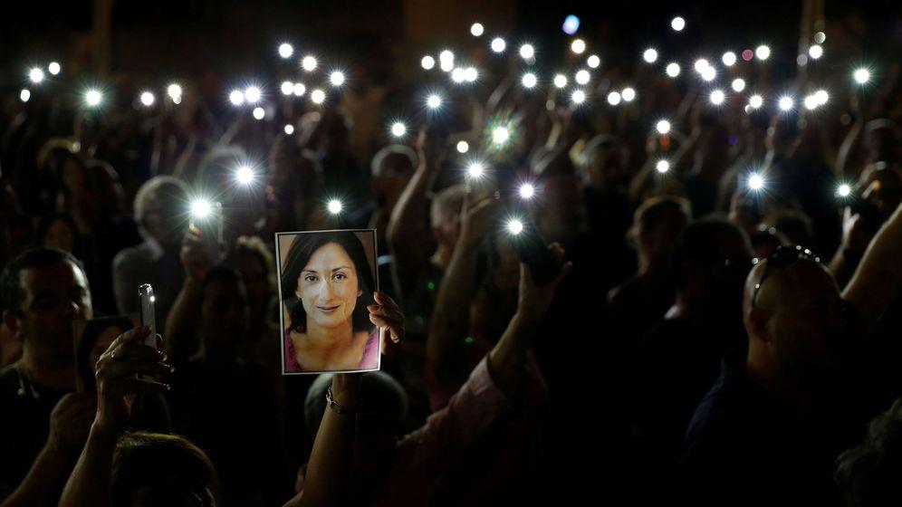 Foto: Vigila en memoria de Daphne Caruana Galizia, asesinada con un coche bomba en Malta (REUTERS)