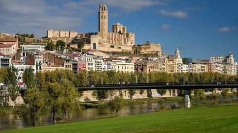 Confinados ocho agentes en Lleida a quienes escupió un contagiado