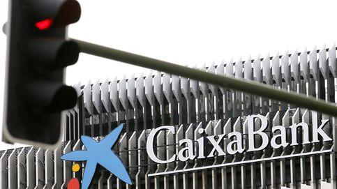 CaixaBank vende una cartera de 800 M en créditos morosos a Intrum