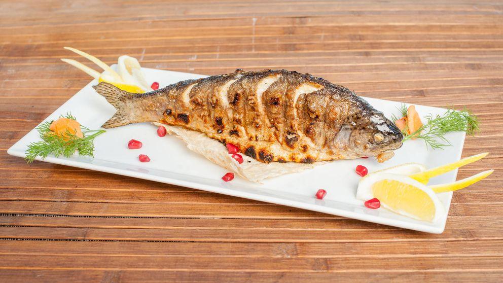 Carpa, un pescado de agua dulce bajo en grasas y rico en proteínas