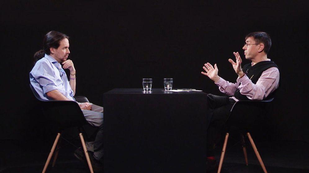Foto: Pablo Iglesias y Juan Carlos Monedero, durante la entrevista. (La Tuerka)