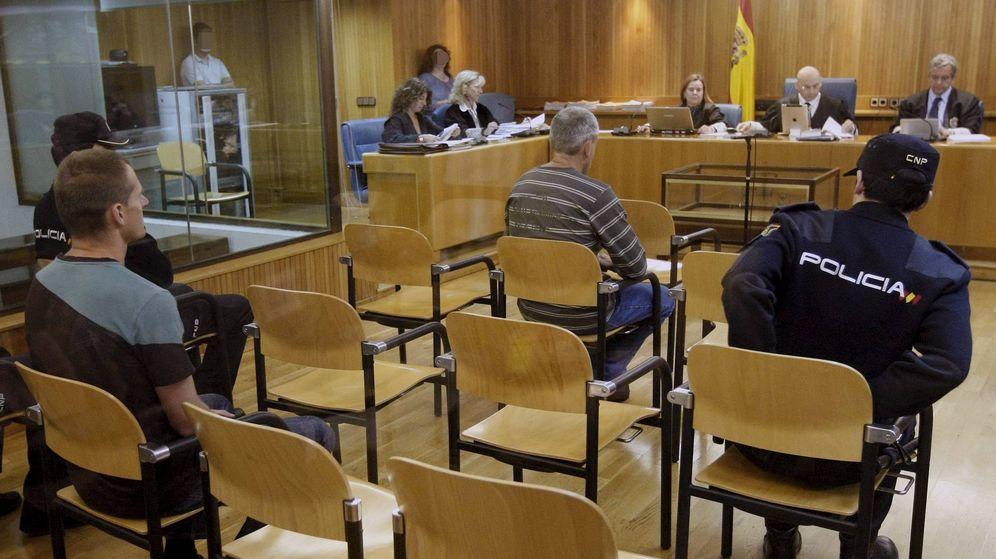 Foto: Mattin Sarasola e Igor Portu, durante el juicio en la Audiencia Nacional. (EFE)