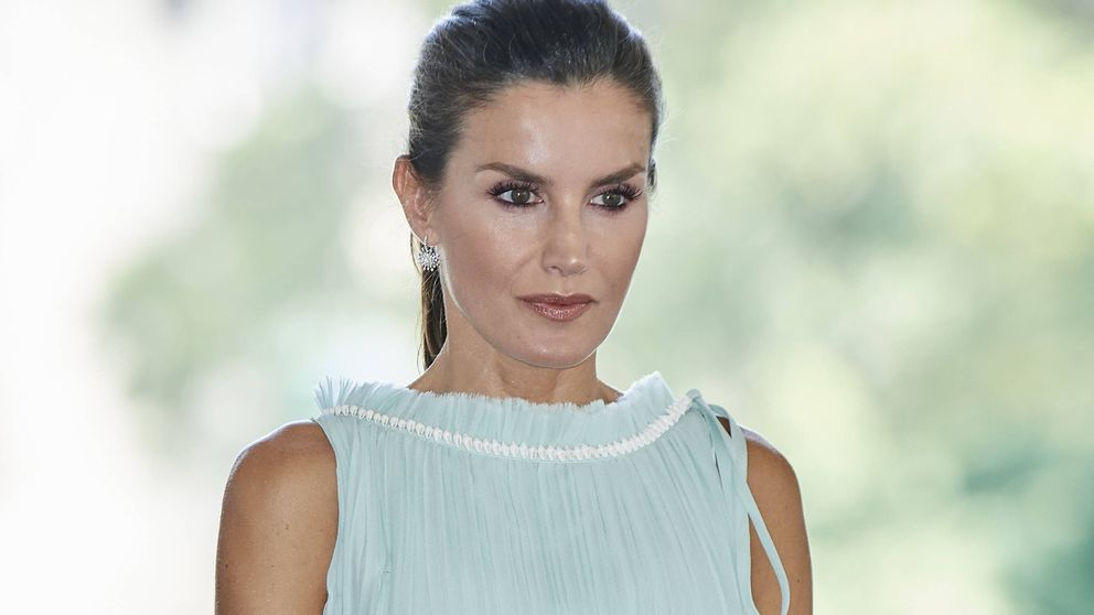 Con conchas y de Nina Ricci: el look más naíf de la reina Letizia en Cuba